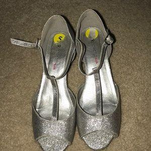 Grey sliver heels for kids